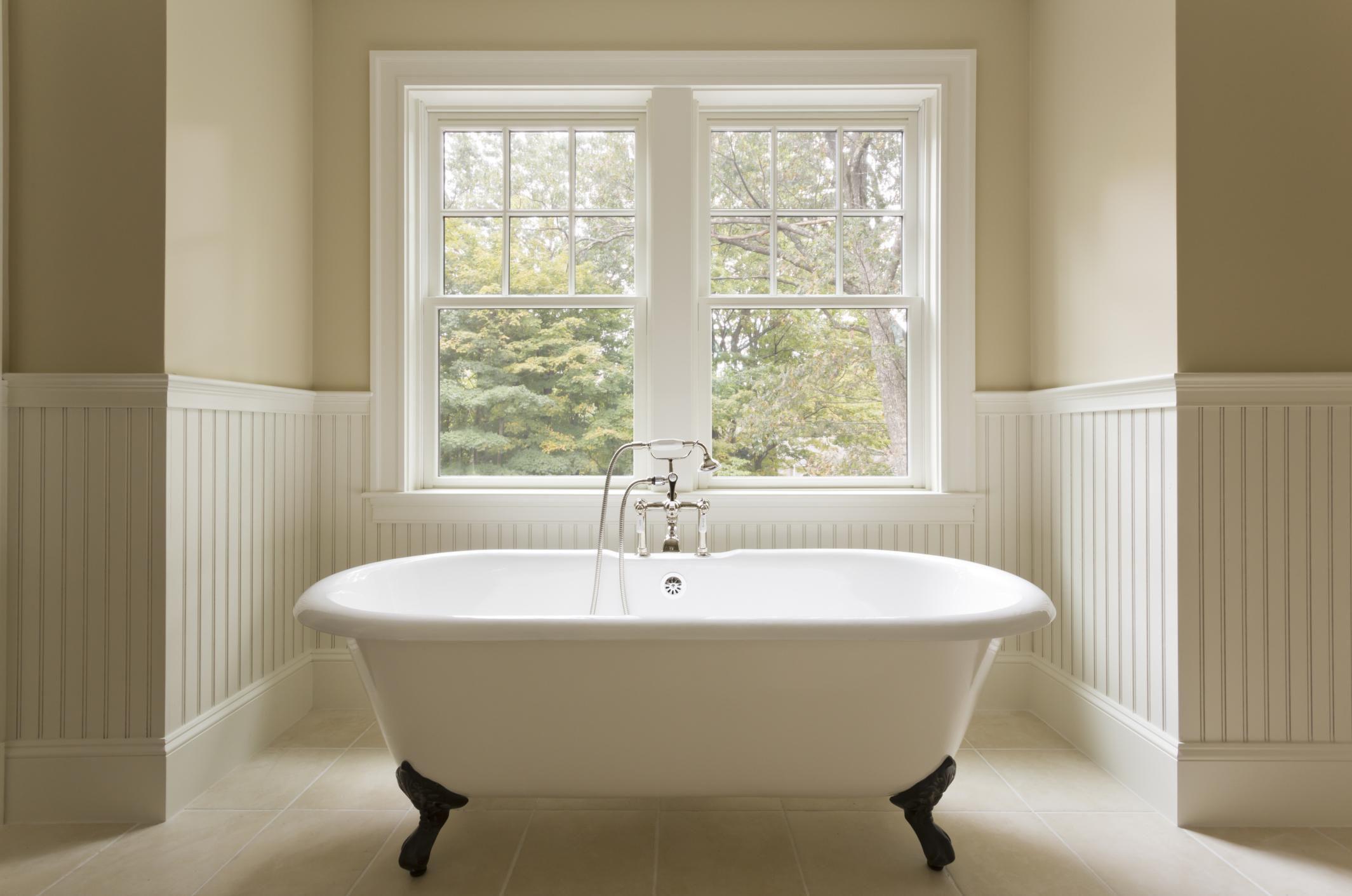 Bathtub Refinishing vs Liners