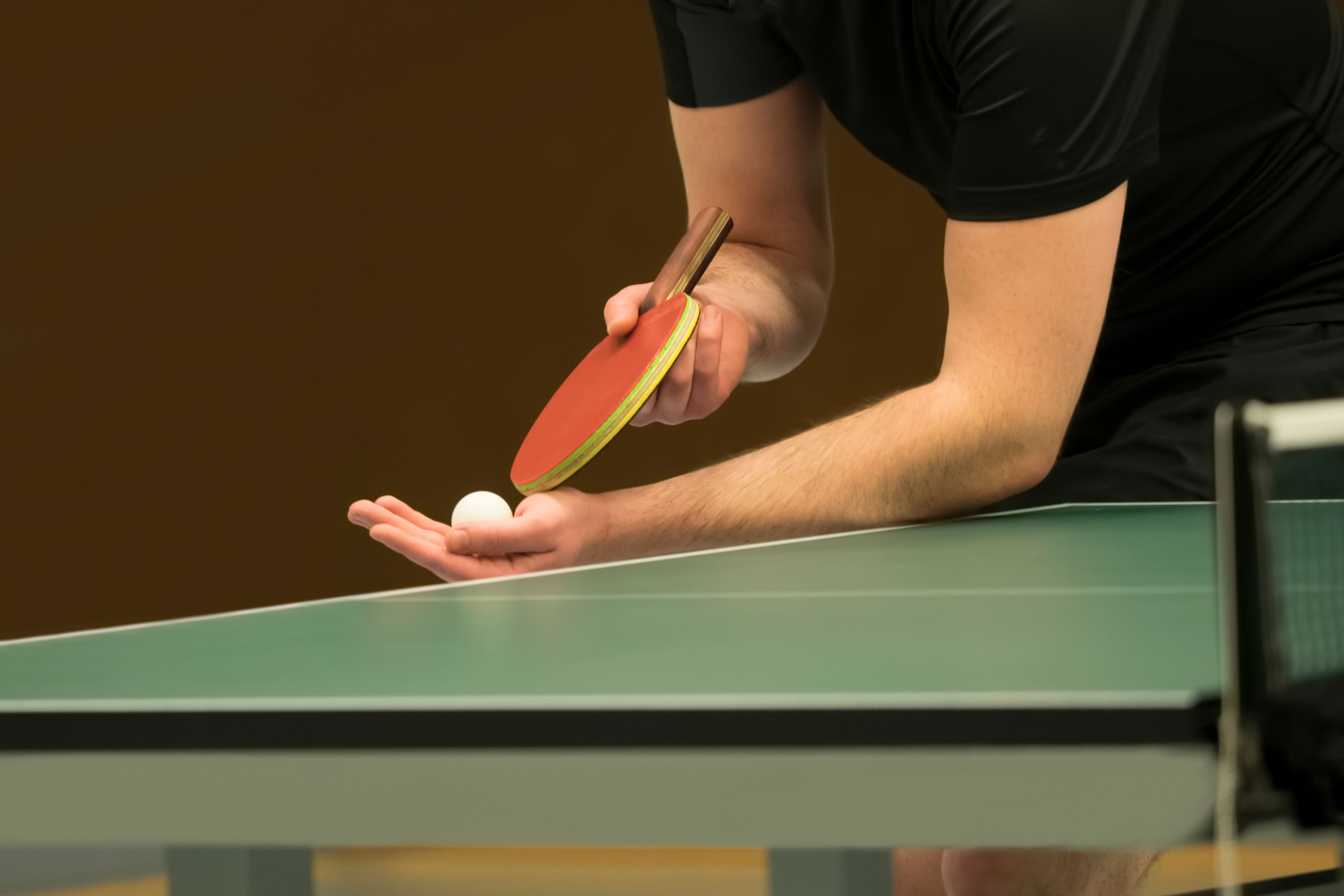 how to serve legally in table tennis ping pong. Black Bedroom Furniture Sets. Home Design Ideas