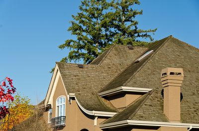 What Home Sellers Can Expect When Buyers Ask For Roof Certifications
