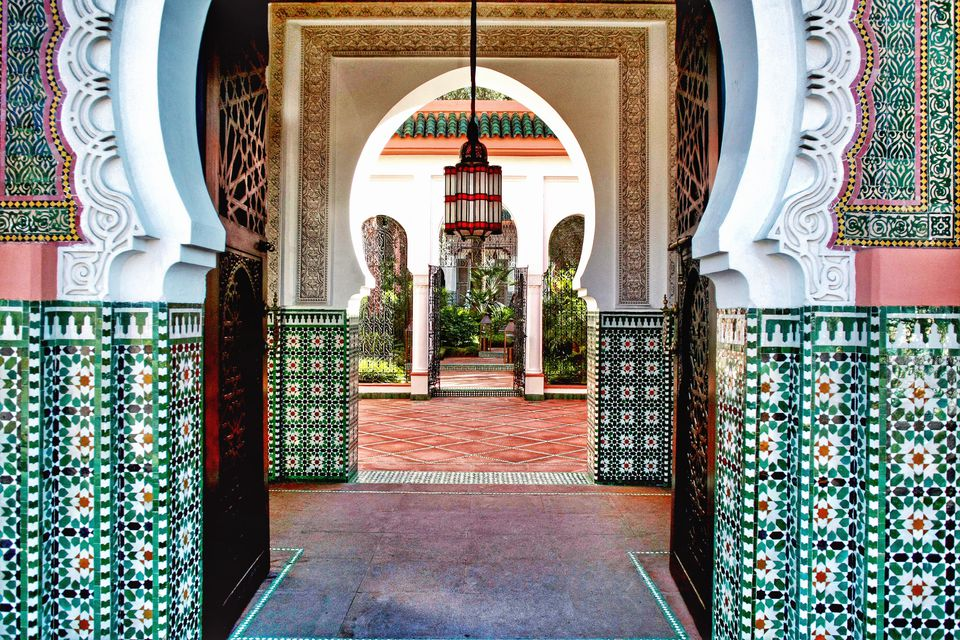 Morocco, Marrakesh-Tensift-El Haouz, Province Marrakesh, Marrakesh, Hotel interior with archway