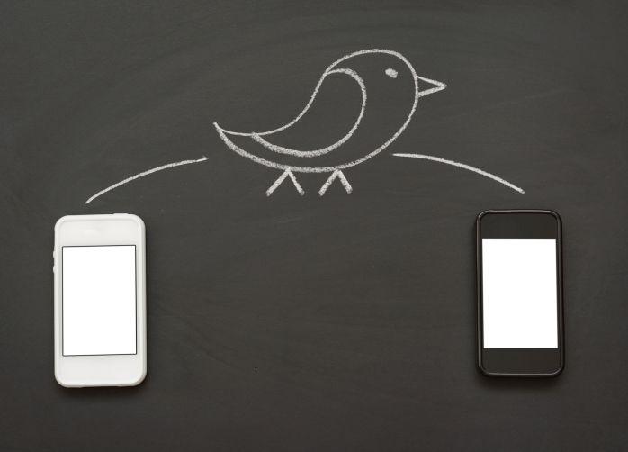 Tweeting on Smartphones