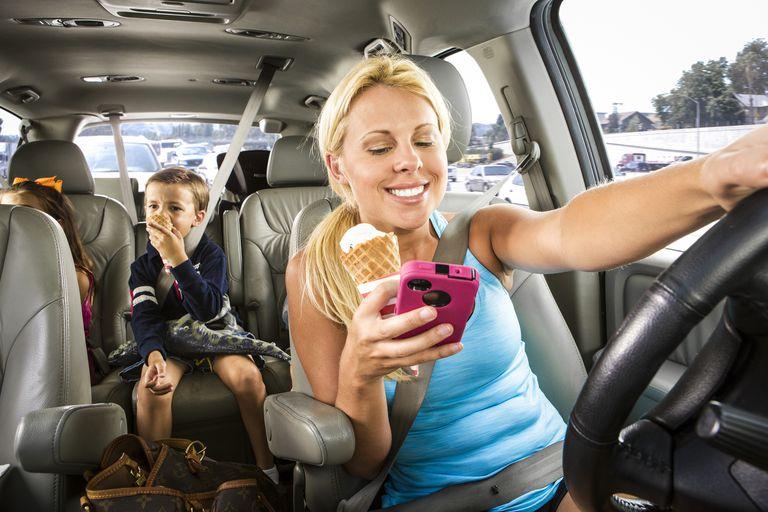 Distracted mom drives minivan