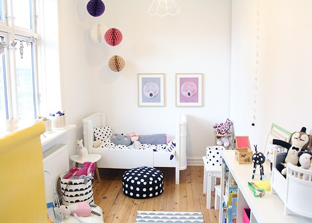 Nordic girls room in black and white with polka dots