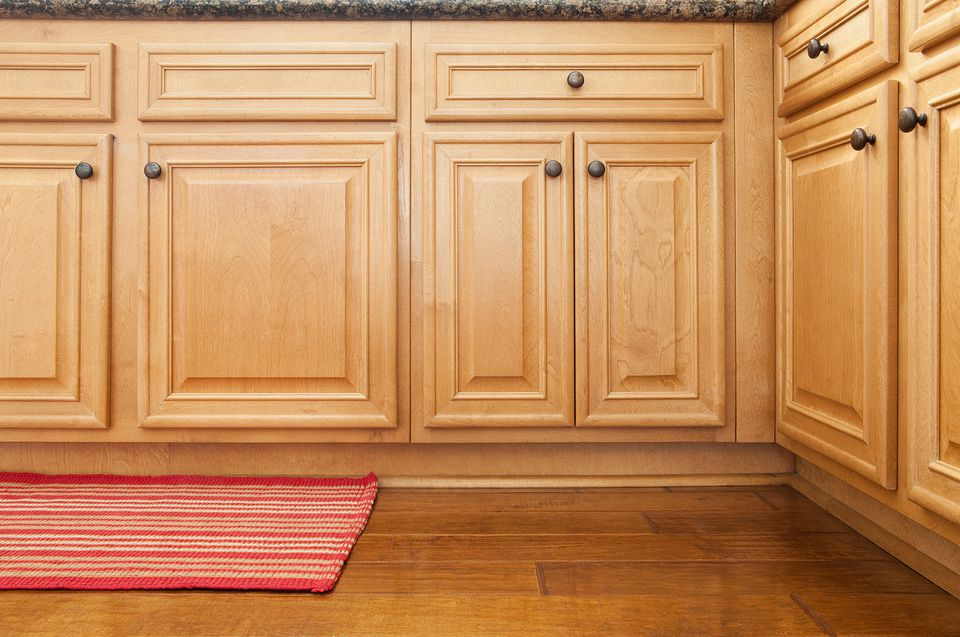 Secrets to finding cheap kitchen cabinets for Cheap wood kitchen cabinets