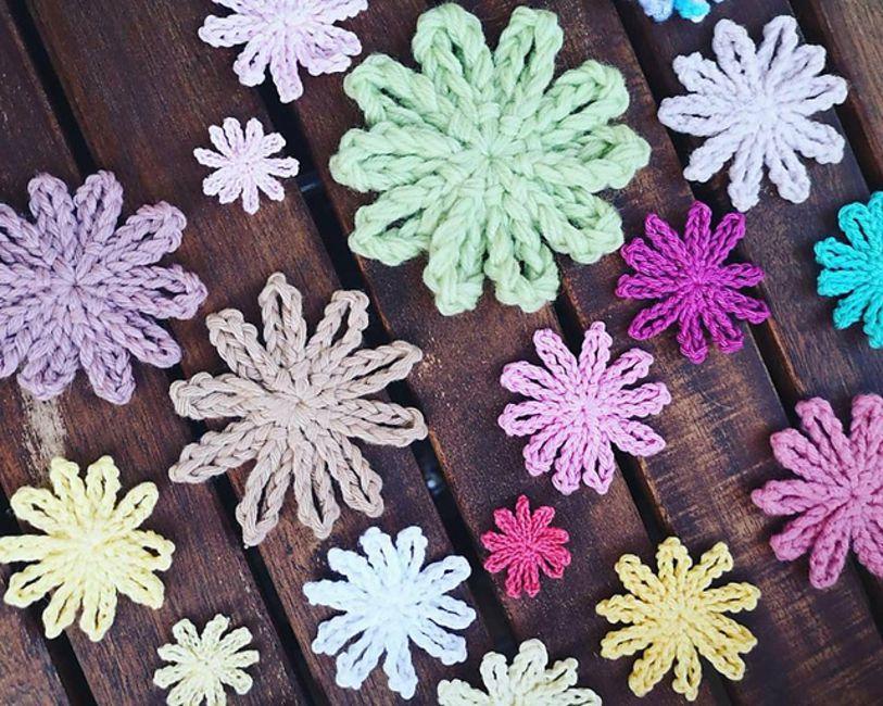 Easy Free Crochet Flower Pattern