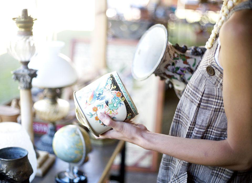 Antiques Shopper
