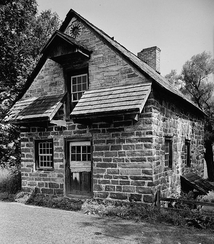 What Was Home Life Like In The New England Colonies