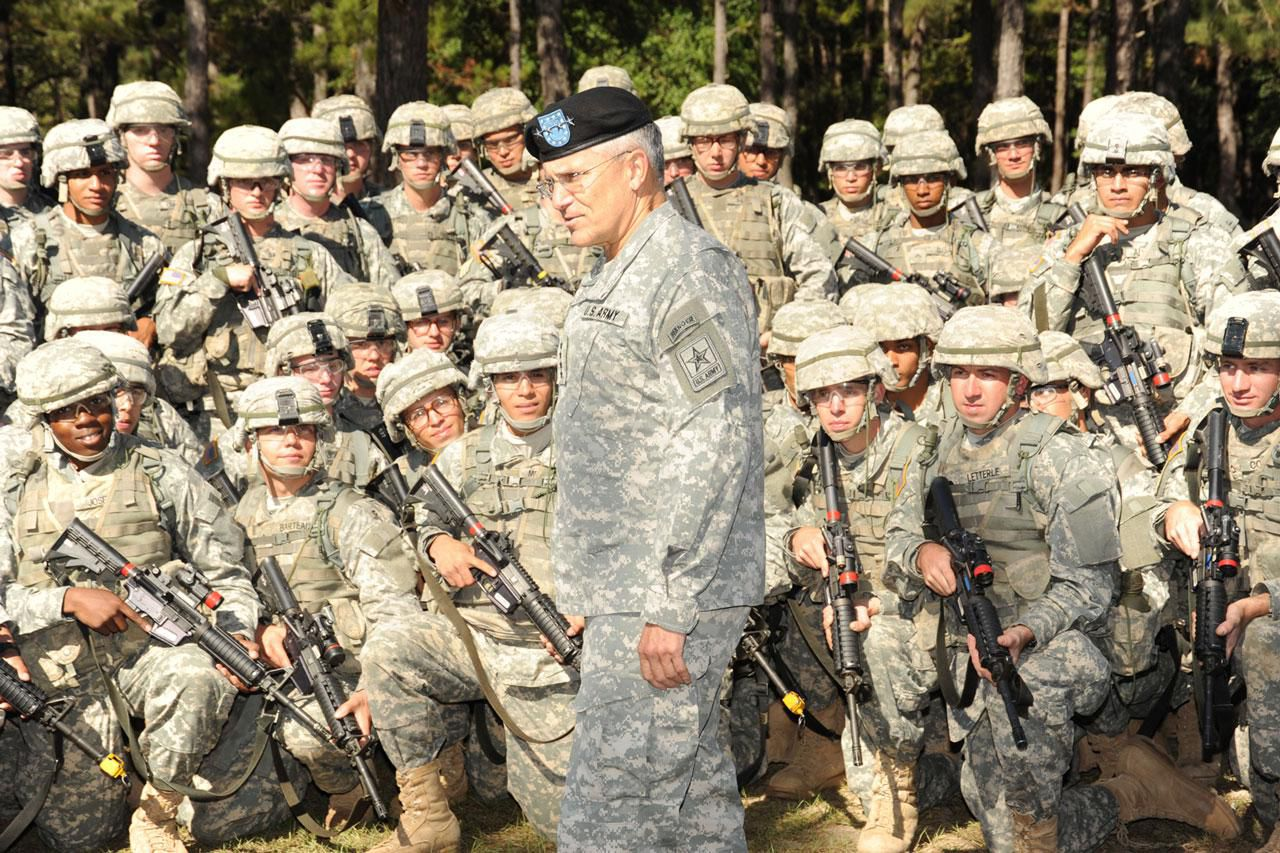 Army grooming appearance and uniform standards army chief of staff gen george casey jr talks to soldiers with c company nvjuhfo Choice Image