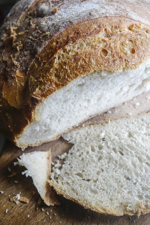 Psomi Spitiko- Greek white bread