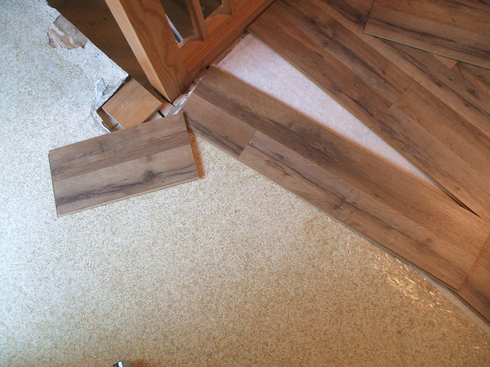 Lay Laminate Floor Cut Piece Moves To Next Row