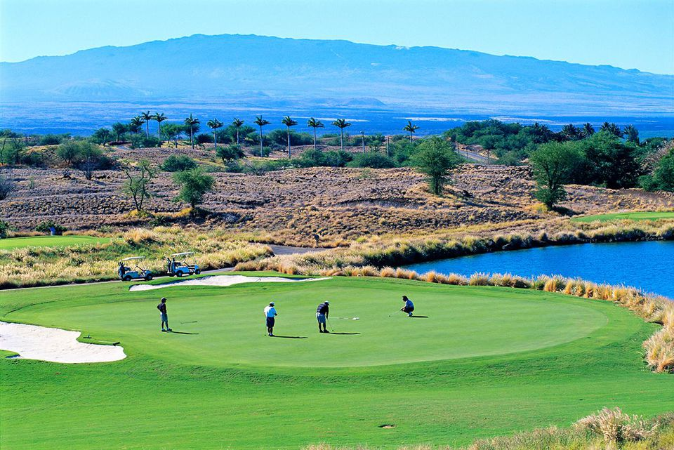 Hawaii, Big Island, Hapuna Prince Resort Golf Course, Golfers on green