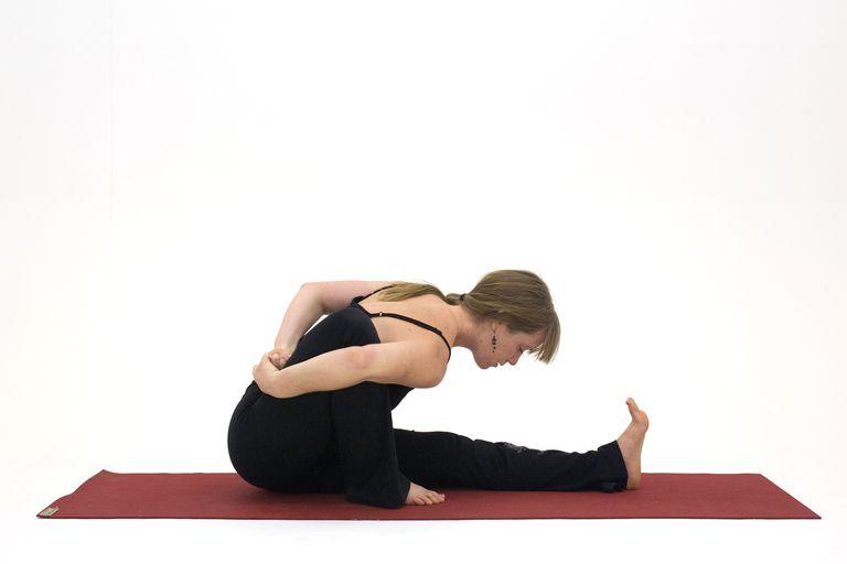 How to Do Marichi's Pose - Marichyasana A