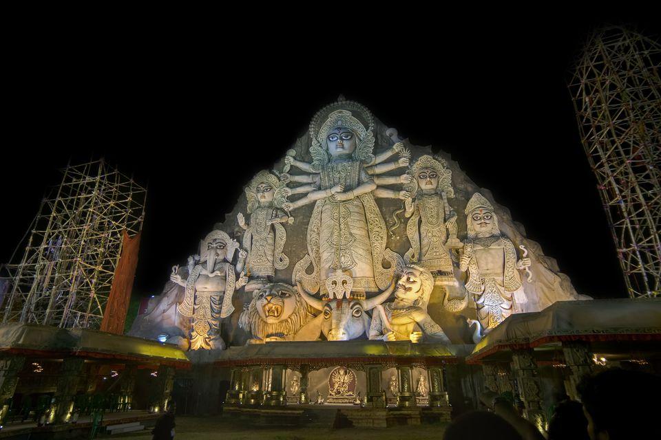 Photo gallery 25 pictures of durga puja in kolkata worlds biggest durga idol altavistaventures Choice Image