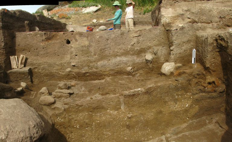 Settlement Stratigraphy at the Central Steppes Site of Tasbas, Kazakhstan
