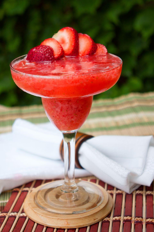 Frozen Or Shaken How To Make A Strawberry Daiquiri