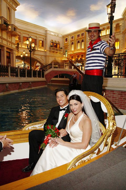 9 Unique Las Vegas Wedding Venues For Adventurous Couples