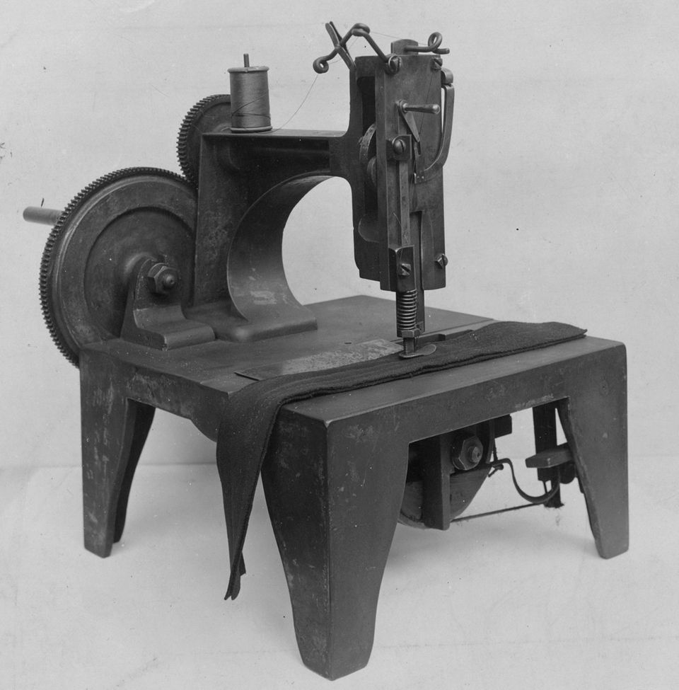 Isaac M Singer Inventor Of The Singer Sewing Machine