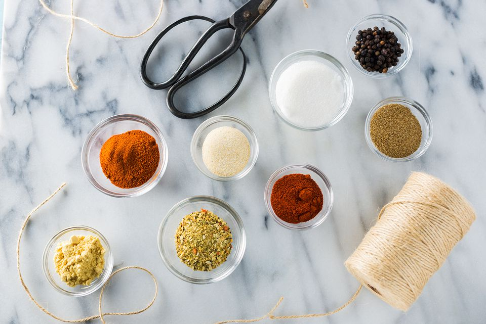 Spices for spicy poultry rub