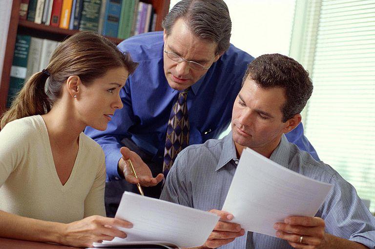FINANCIAL ADVISOR CONSULTING COUPLE