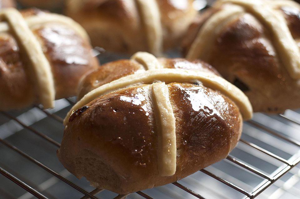 hot-cross-buns-1500.jpg