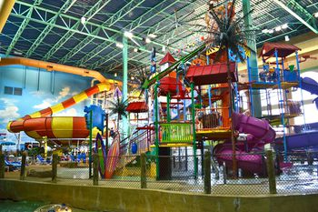 Great Wolf Lodge Colorado Springs resort in CO offers a wide variety of fun family attractions including our famous indoor water park. Discover tons of fun activities near Denver at Great Wolf Lodge, the kid-friendly indoor water park resort hotel in CO.