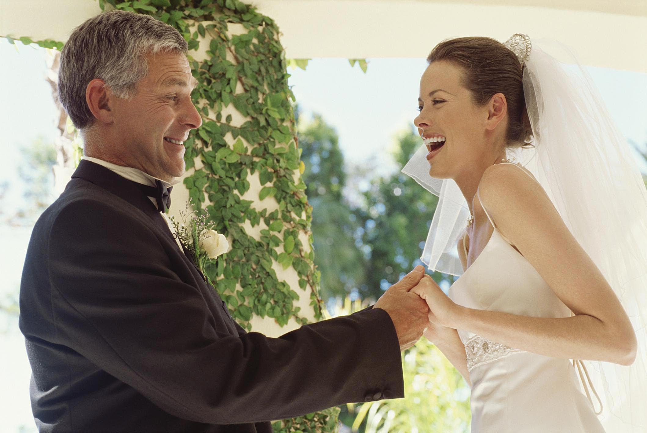 8 Ways Divorced Dads Can Handle A Daughters Wedding