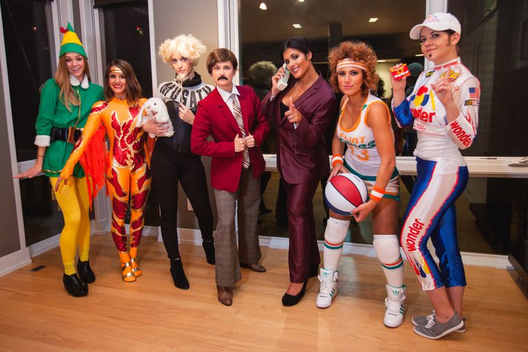 18 funny pop culture inspired halloween costumes for groups - Halloween Pop Culture
