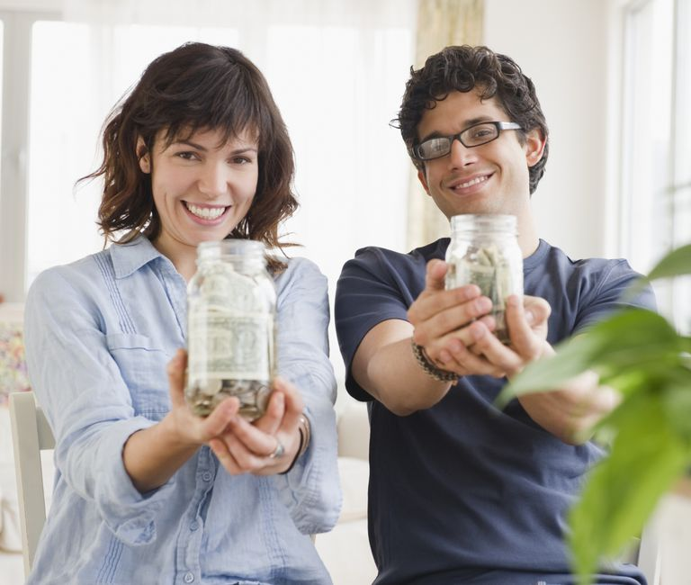 couple-budgeting-jars.jpg