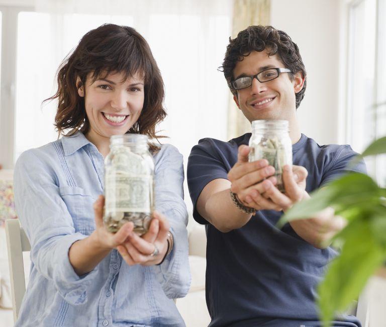 couple-budgeting-jars.jpg