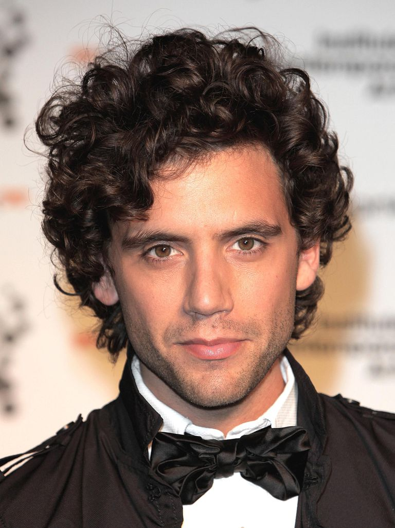 Italian Male Singers Delightful famous men with curly hair - a photo slideshow