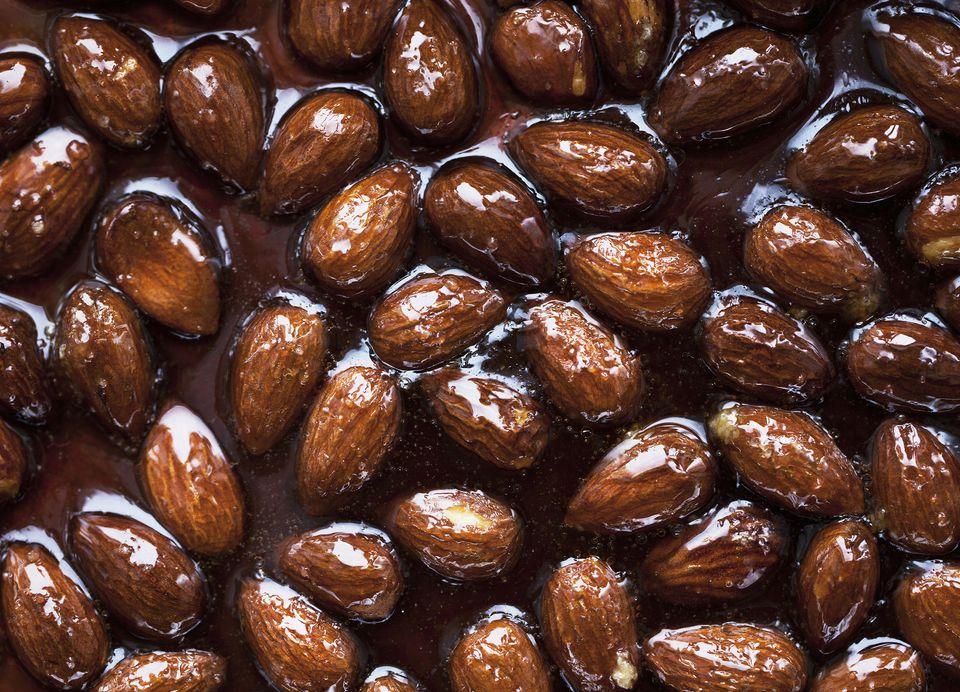 Glazed almonds