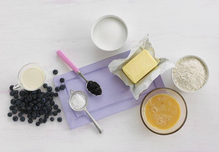 Ingredients to make a blueberry sponge cake