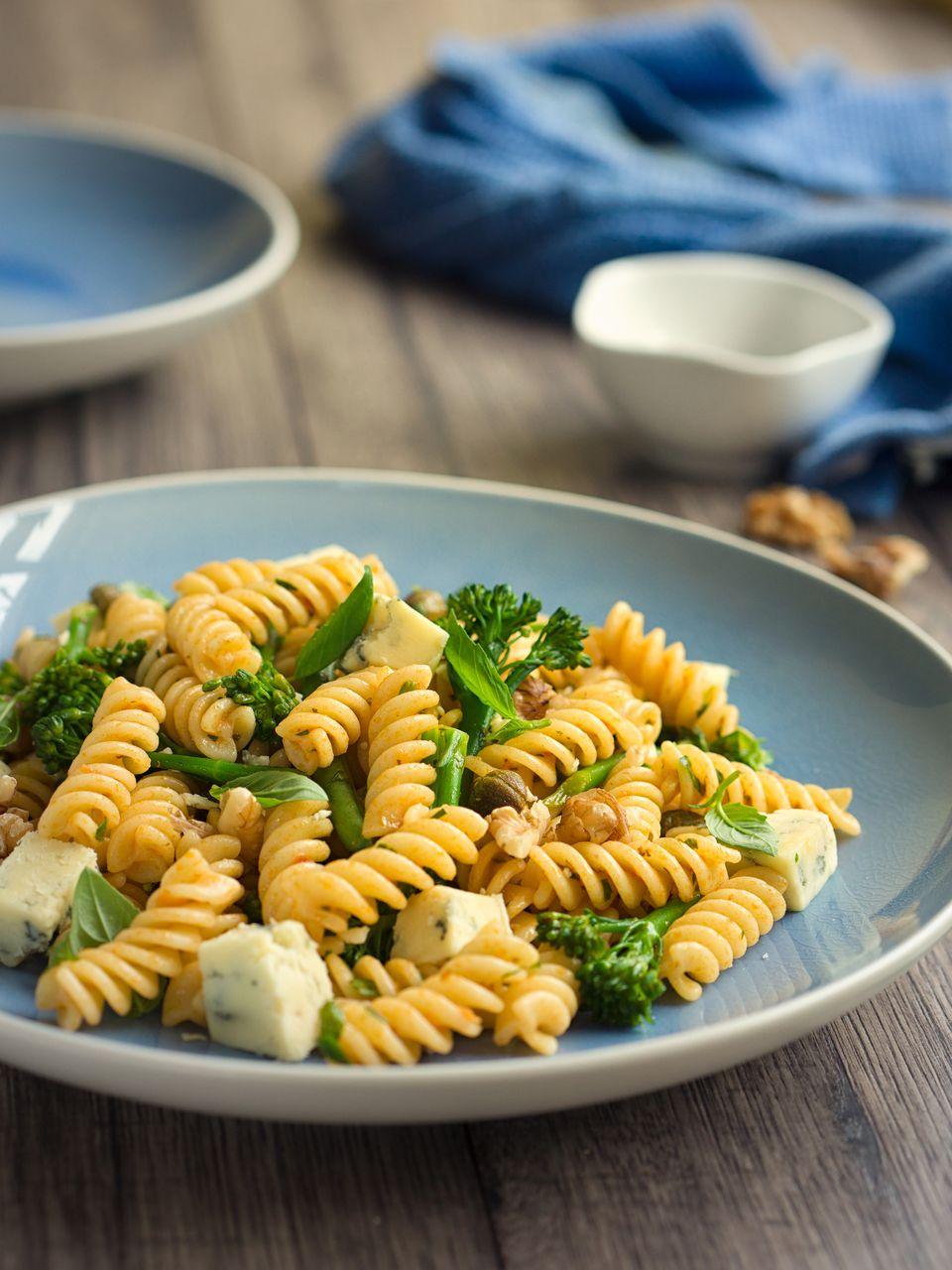Broccoli and walnut pasta