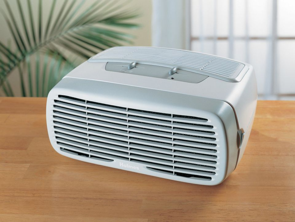 Holmes Desktop Air Purifier for small rooms.