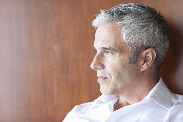 A Men\'s Guide for How to Color Gray Hair