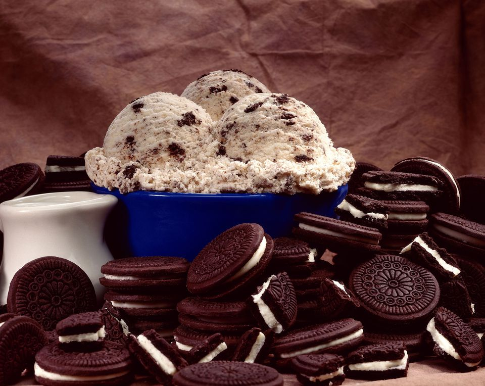 Ice cream and chocolate sandwich cookies