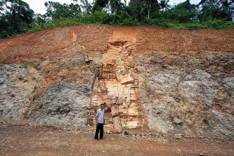 A large, intrusive dike