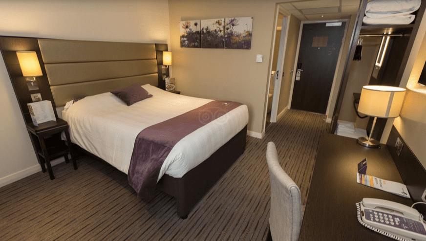 Premier Inn London Heathrow Airport (Bath Road) Hotel