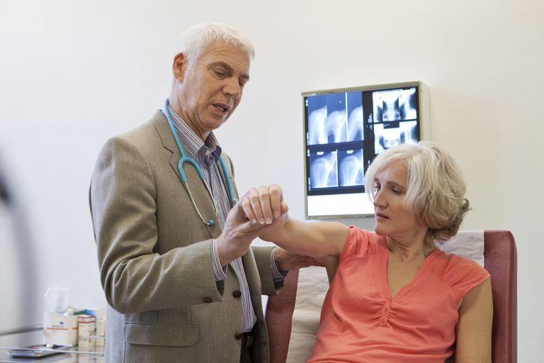 Woman at rheumatologist