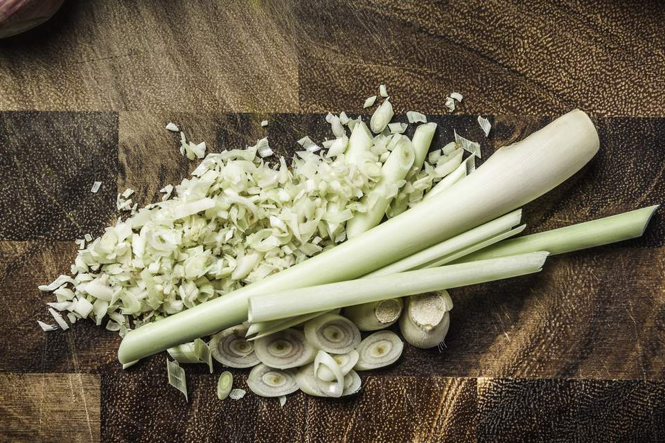 Chopped lemongrass