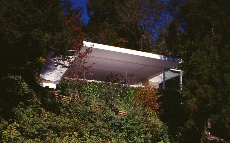 Exterior of Shigeru Ban-designed Wall-Less House, 1997, Nagano, Japan