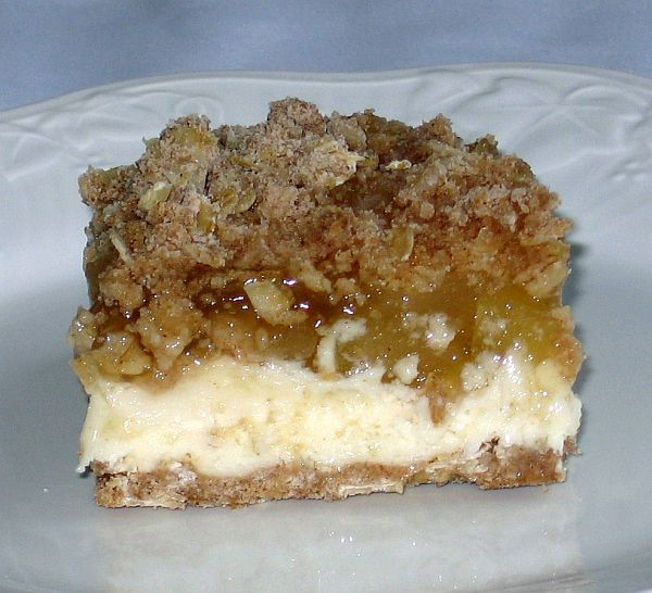 Apple Cheesecake Crumble
