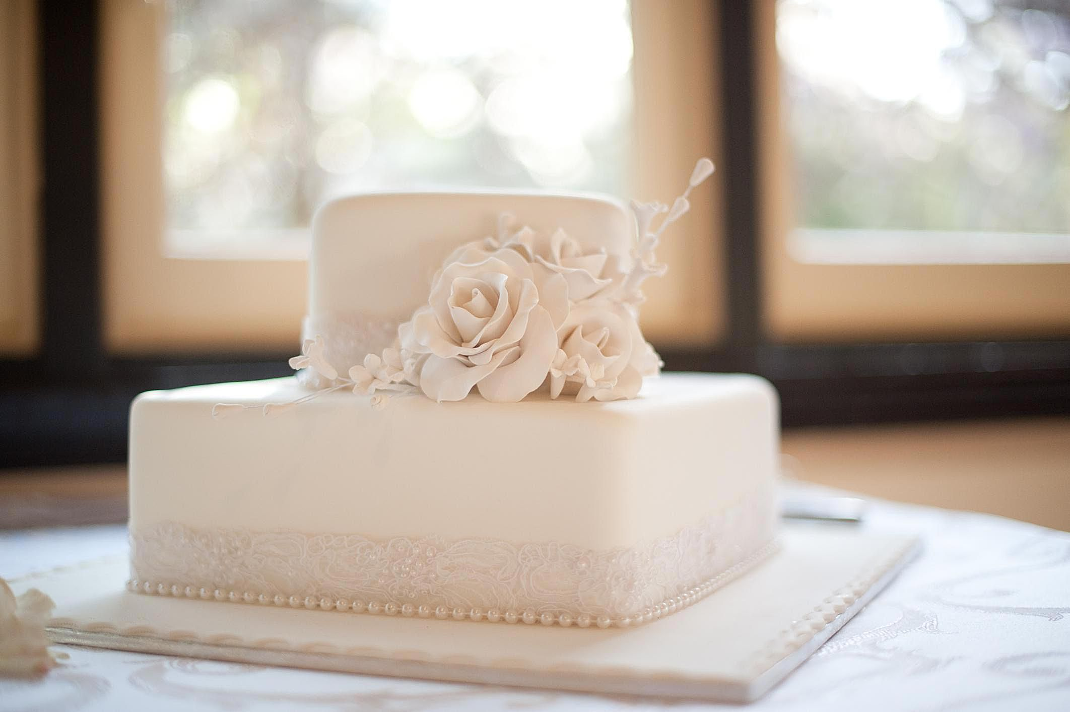 no fondant wedding cake pictures fondant possible problems and fix tips 17904