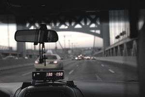 USA, New York, New York City, Queens, Traffic at Queensboro Bridge, view from taxi