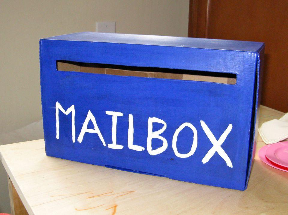 Art and crafts mailbox