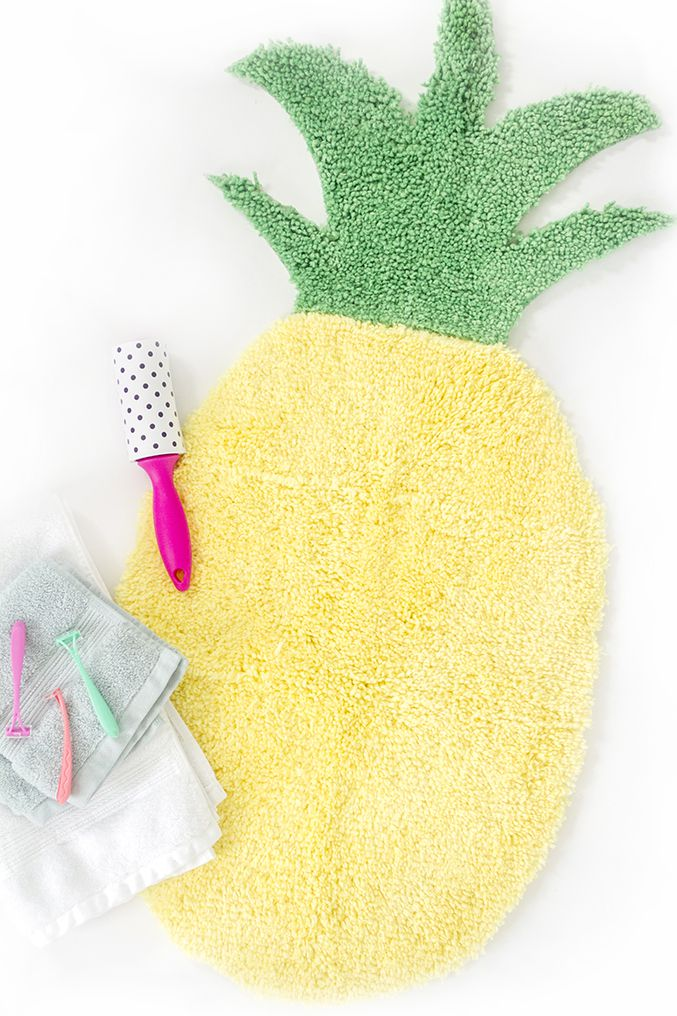 DIY Pineapple Bath Mat