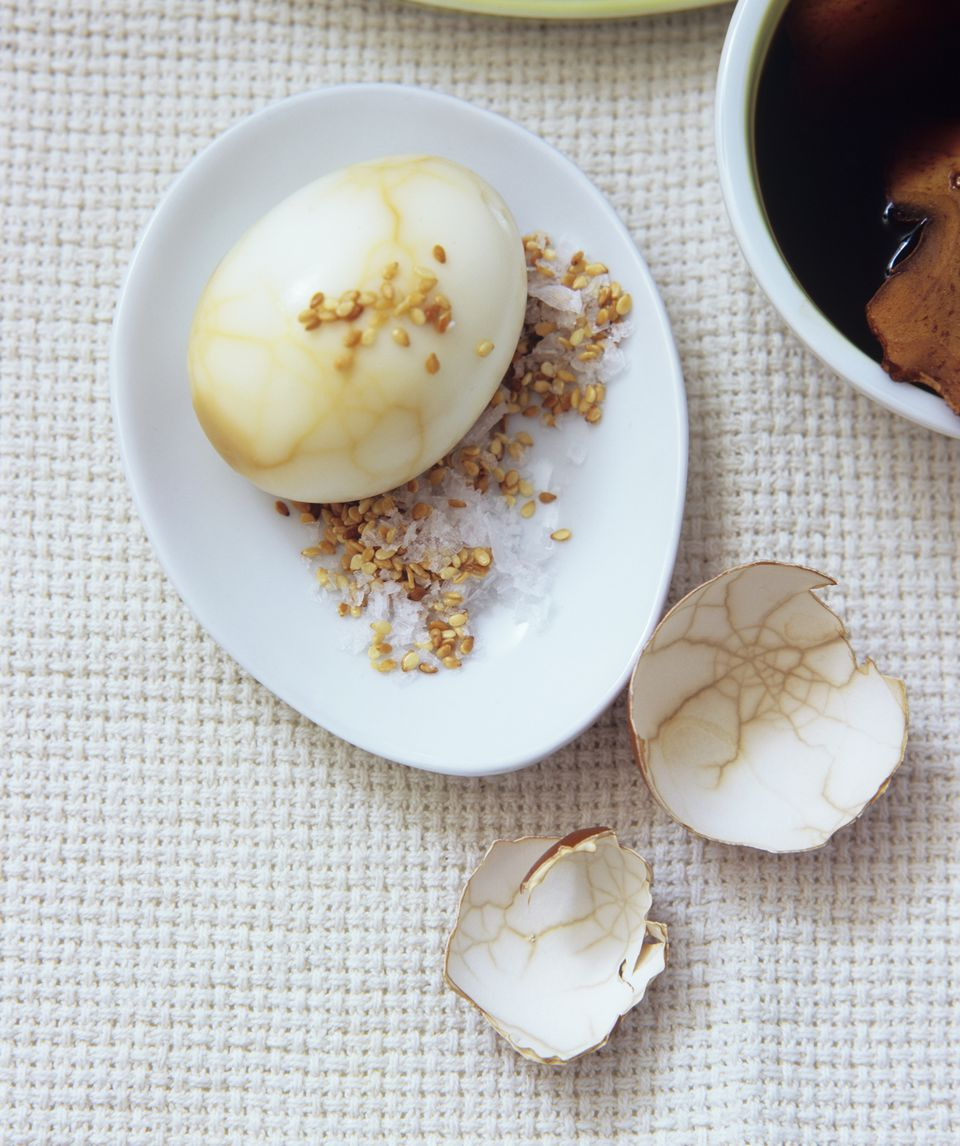 Marbled tea egg with sesame salt