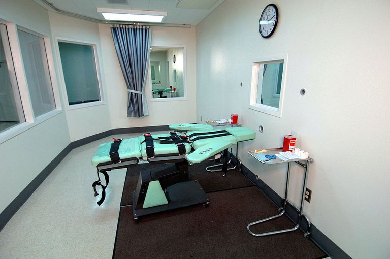 1024px-SQ_Lethal_Injection_Room.jpg