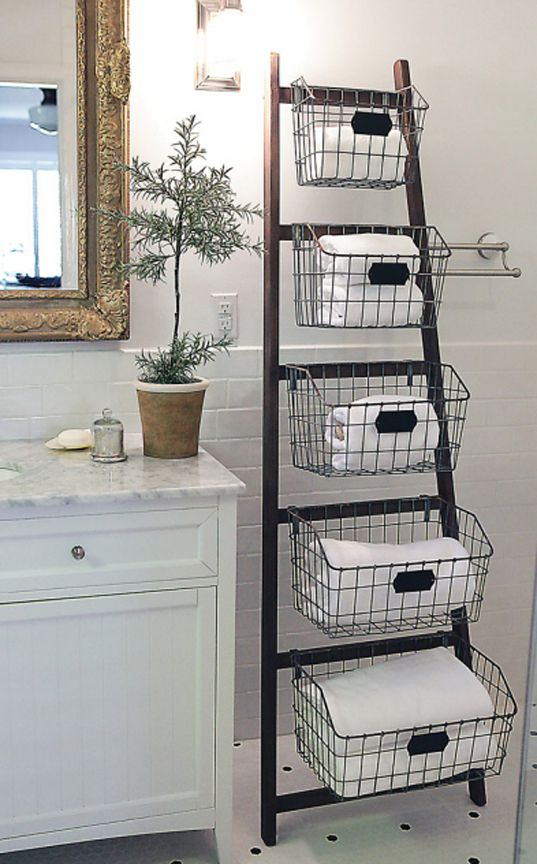 Decorate with ladder in bathroom