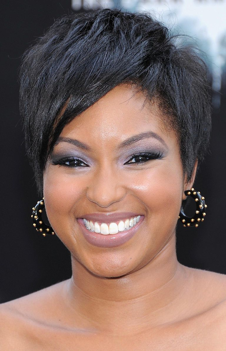 Hairstyles for round faces the most flattering cuts do pixie haircuts look good on round faces urmus Image collections